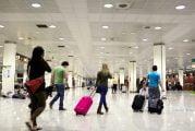 A quarentena obrigatória de viagens deve ser introduzida pela Irlanda, afirmam os especialistas